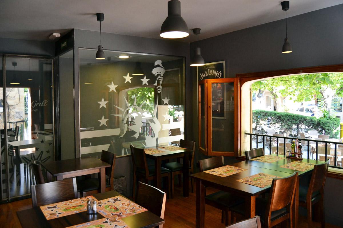 Adaptación casa mallorquina arestaurante temático, American Grill en Valldemossa